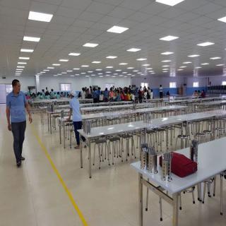 Bàn giao bàn ghế ăn inox cho khách hàng tại KCN Vsip